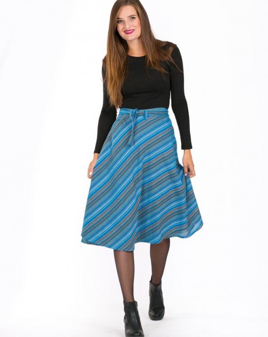 6a071f072082 Thao - Zavinovací midi sukně Khari – modrá